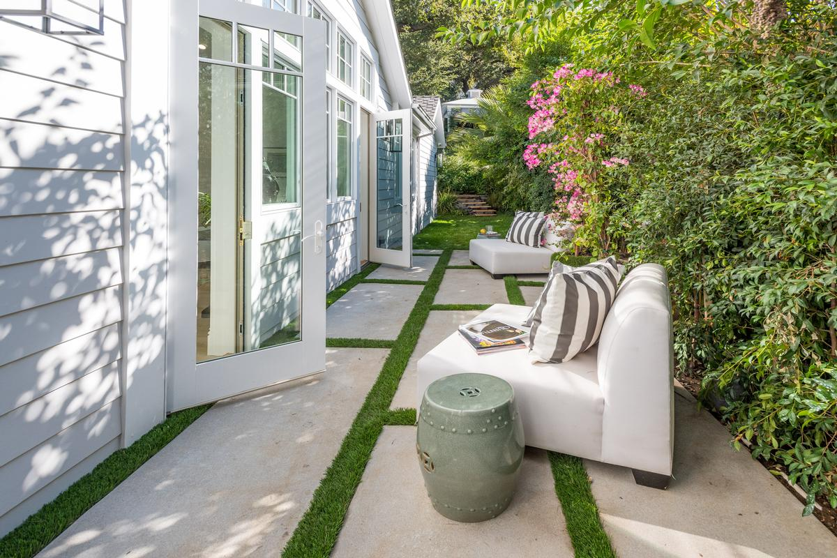 Stunning And Gated Encino Home California Luxury Homes