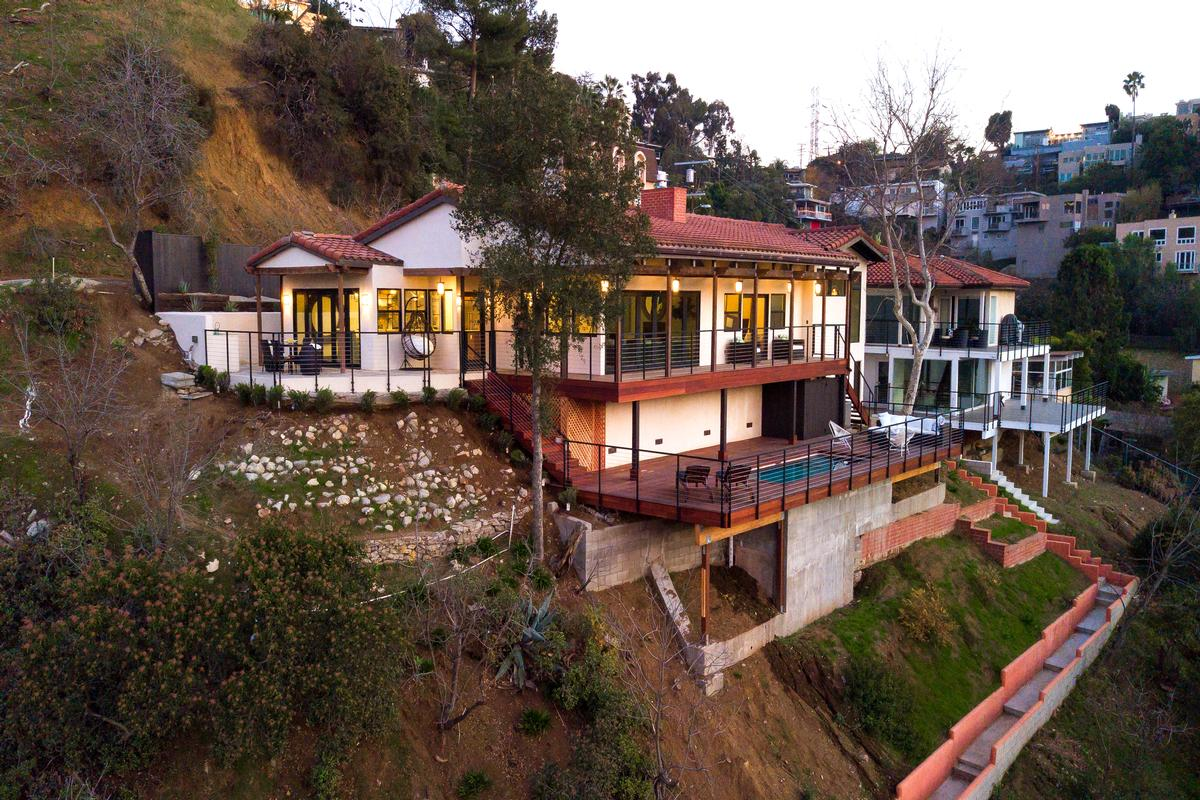 Dramatic Hollywood Hills Home. US $2,295,000 In Los Angeles ...