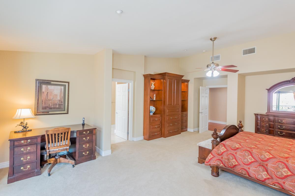 Luxury homes in Exquisite Bridlewood Estates