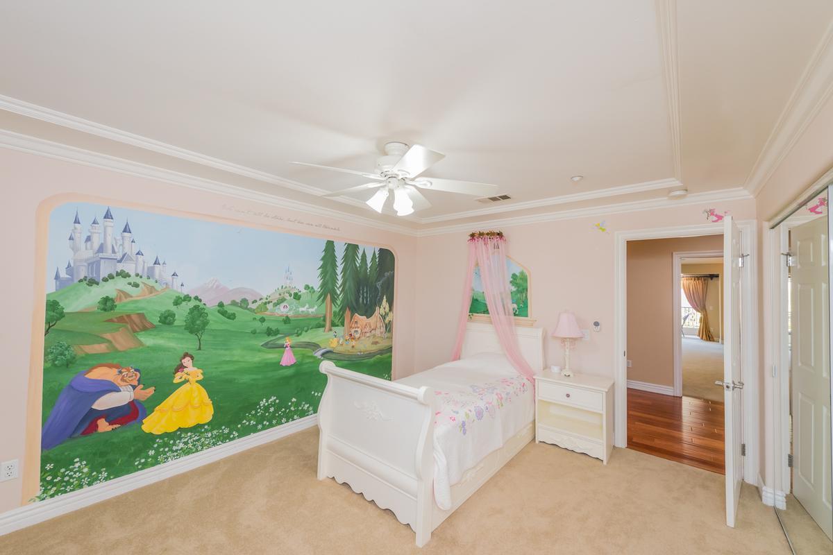 Luxury homes Exquisite Bridlewood Estates