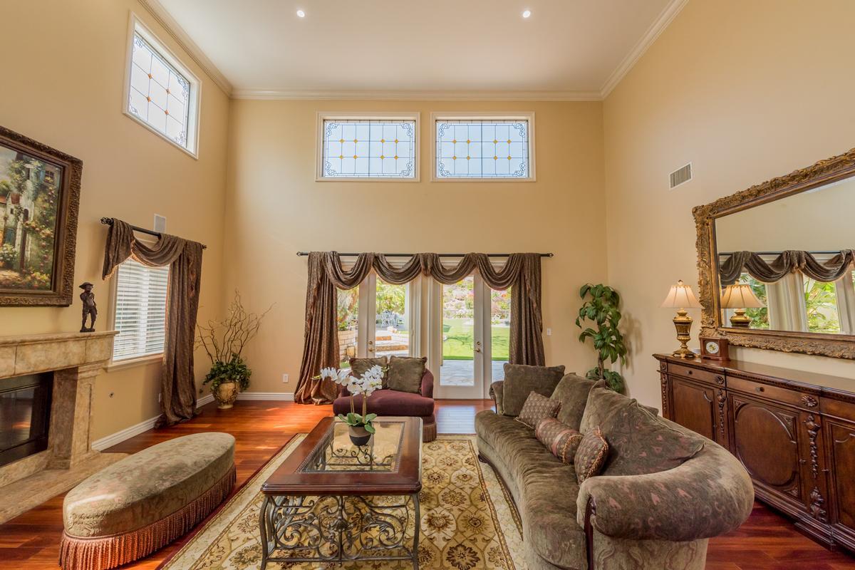 Luxury properties Exquisite Bridlewood Estates