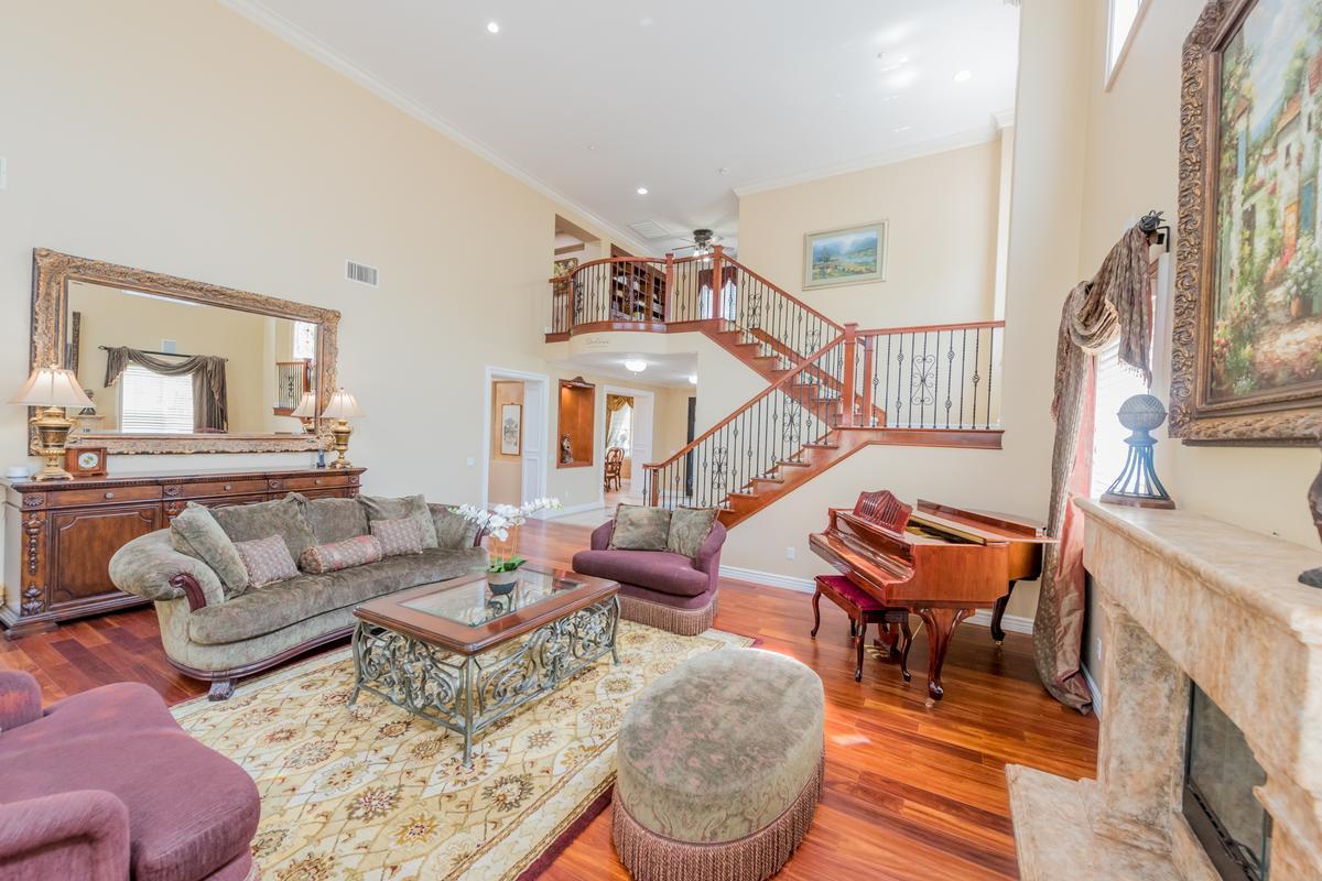 Mansions Exquisite Bridlewood Estates