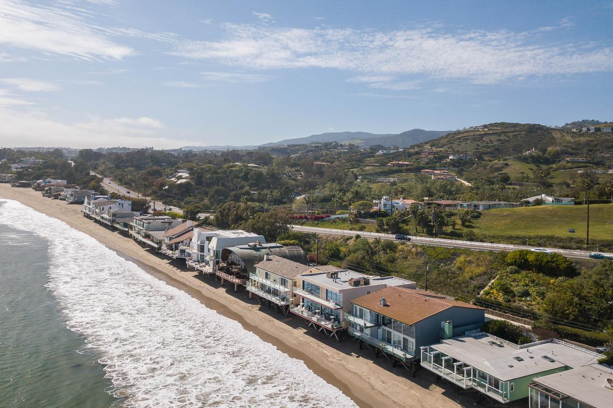 Mansions in Malibu Cove Colony Bungalow