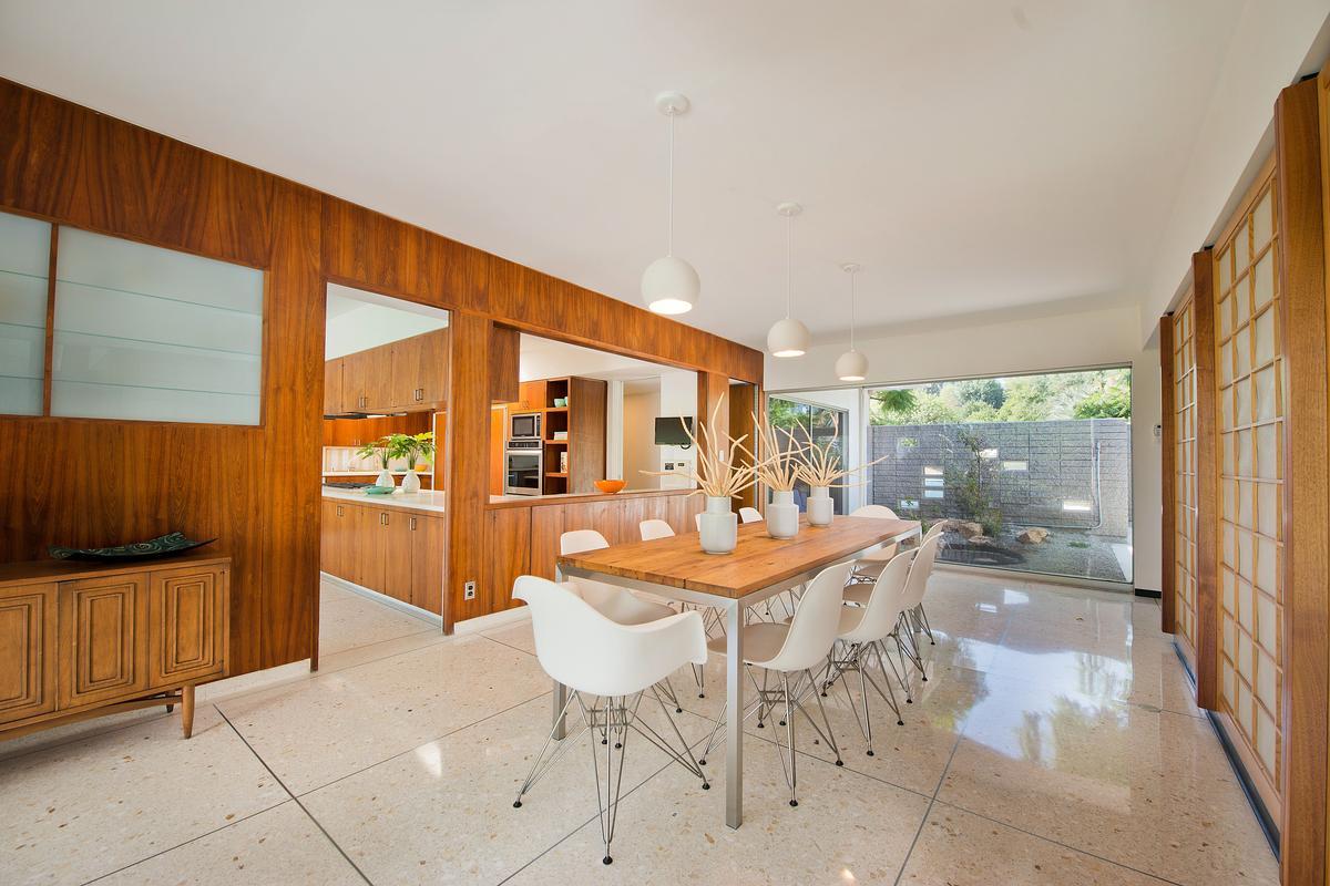 Luxury homes in Mid Century Modern Masterpiece