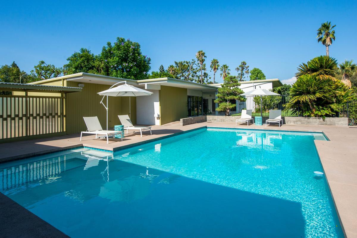 Luxury real estate Mid Century Modern Masterpiece