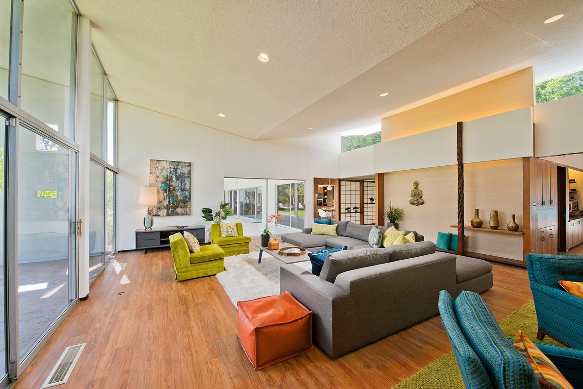 Mid Century Modern Masterpiece luxury homes