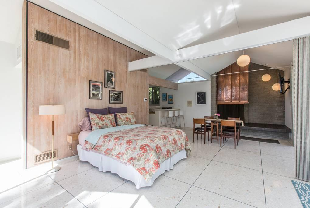 Luxury properties Mid Century Modern Masterpiece
