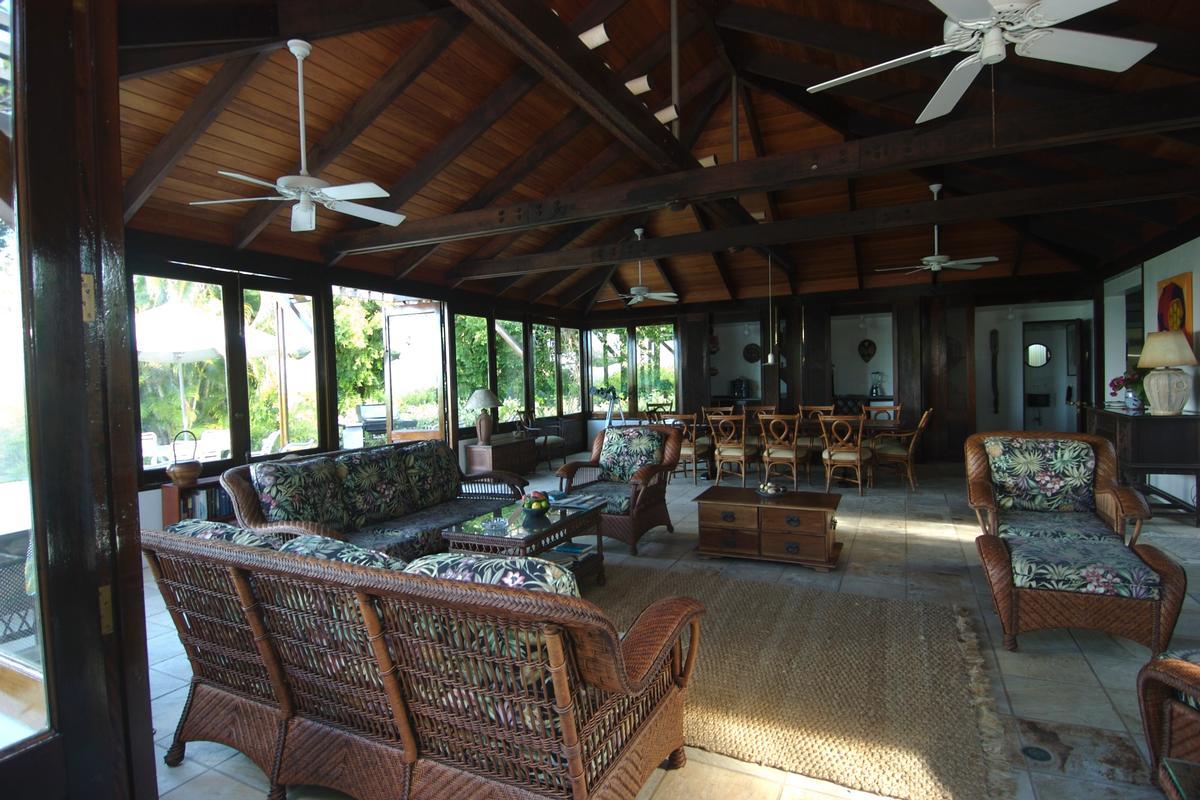 Luxury homes in Enchanting villa in little trunk bay