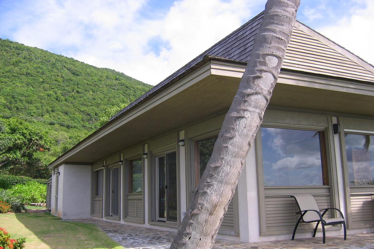 Luxury properties Enchanting villa in little trunk bay