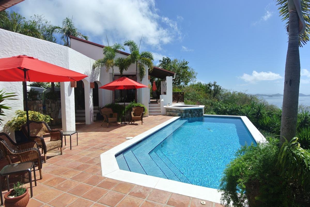 Luxury homes in High Point Villa