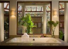 Luxury properties Aquamare