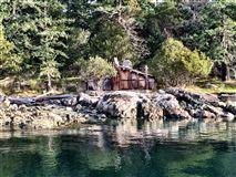 REEF ISLAND luxury properties