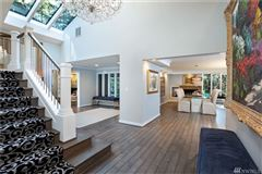 Luxury homes in beautifully renovated home in the historic seattle highlands