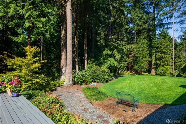 beautifully renovated home in the historic seattle highlands luxury real estate