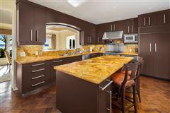 Luxury properties the landmark Gibbs House