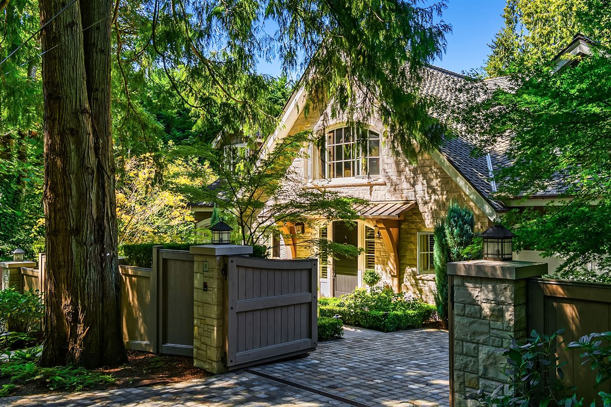 magnificent custom home on Port Madison luxury homes