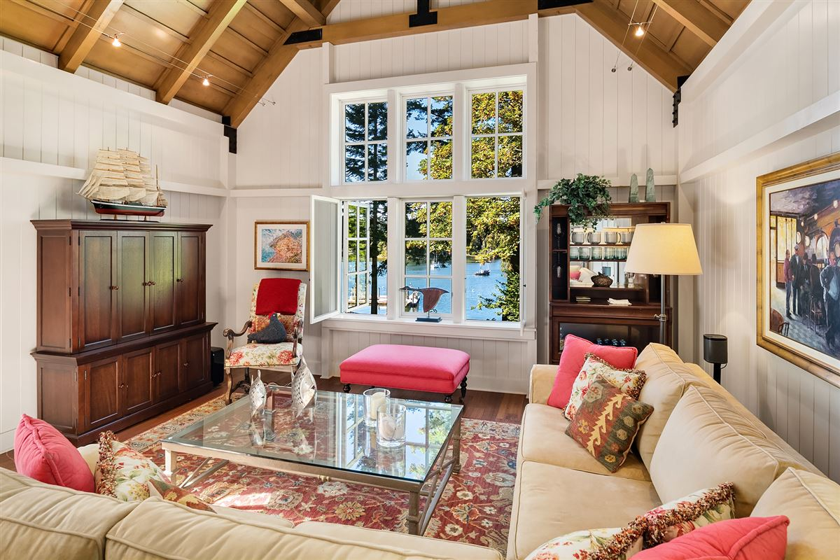 Mansions magnificent custom home on Port Madison