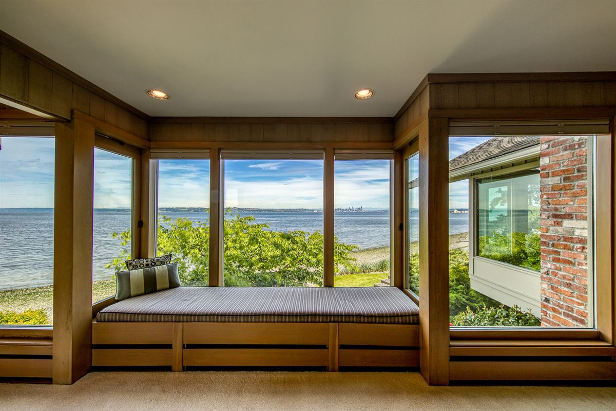 Mid-Century Waterfront Masterpiece in Wing Point luxury homes