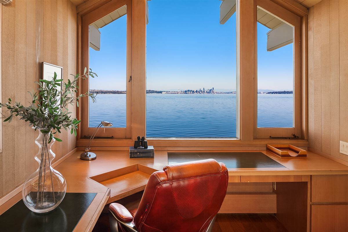 Luxury homes Mid-Century Waterfront Masterpiece in Wing Point