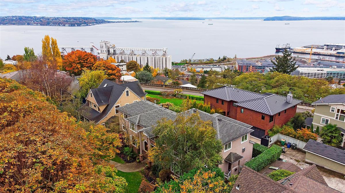 Luxury homes in magnificent home in seattle