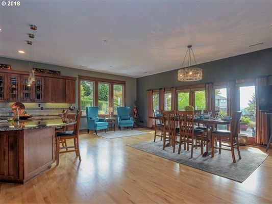 Frank Lloyd Wright Mountain Top Retreat luxury real estate