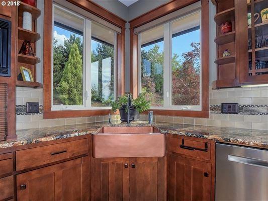 Frank Lloyd Wright Mountain Top Retreat luxury properties