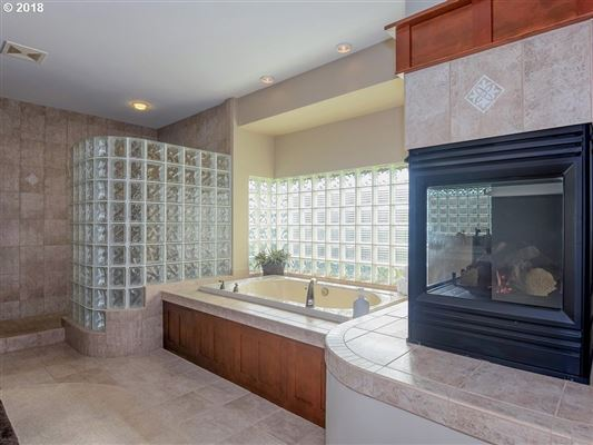 Luxury real estate Frank Lloyd Wright Mountain Top Retreat