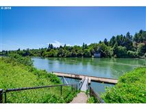 Luxury real estate Beautiful Echo Pointe Home with Willamette River Boat Slip