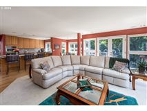 Beautiful Echo Pointe Home with Willamette River Boat Slip luxury properties
