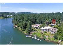 Beautiful Echo Pointe Home with Willamette River Boat Slip luxury homes