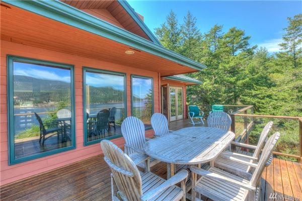 Luxury homes amazing waterfront retreat