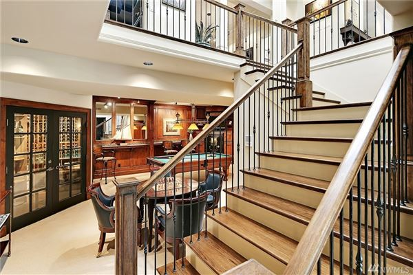 updated and truly charming lifestyle home mansions