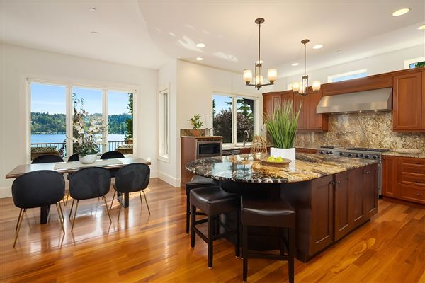 Luxury properties an Impeccable estate