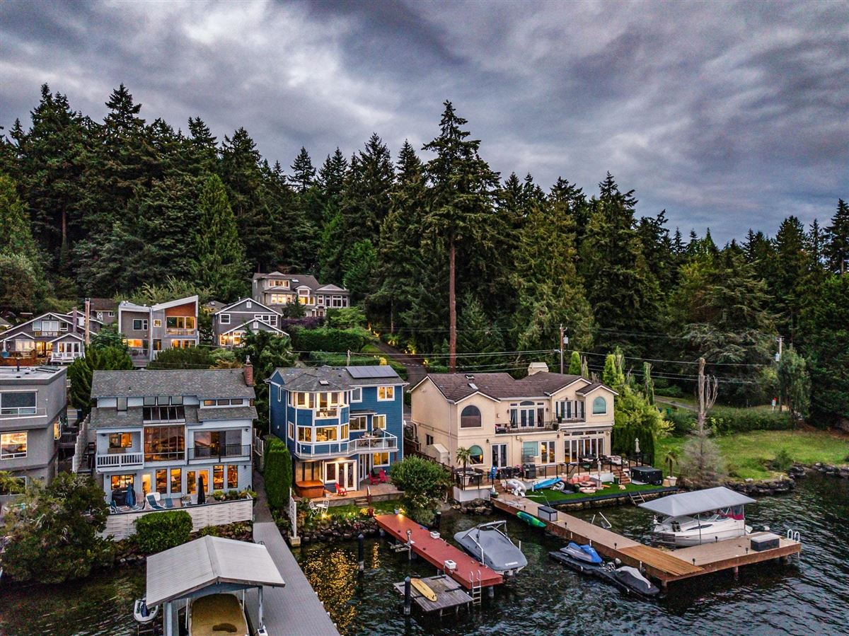 Storybook sunny west-facing waterfront luxury homes