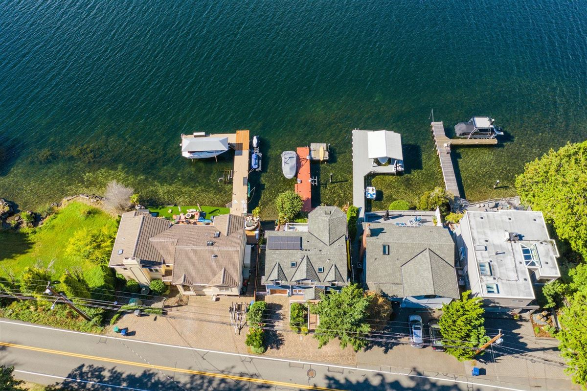 Mansions Storybook sunny west-facing waterfront
