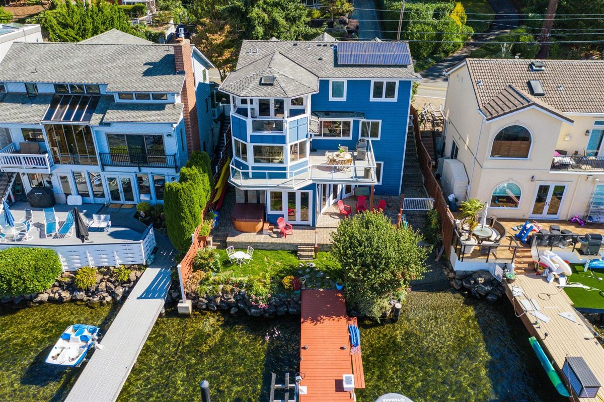 Luxury real estate Storybook sunny west-facing waterfront