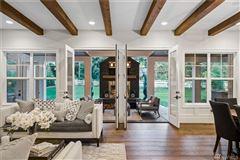 Luxurious Modern Farmhouse  luxury homes