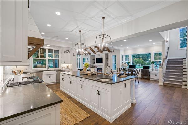 Mansions Luxurious Modern Farmhouse