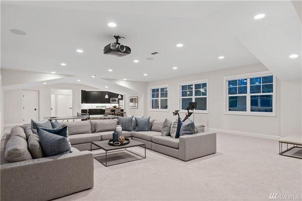 Mansions in Luxurious Modern Farmhouse