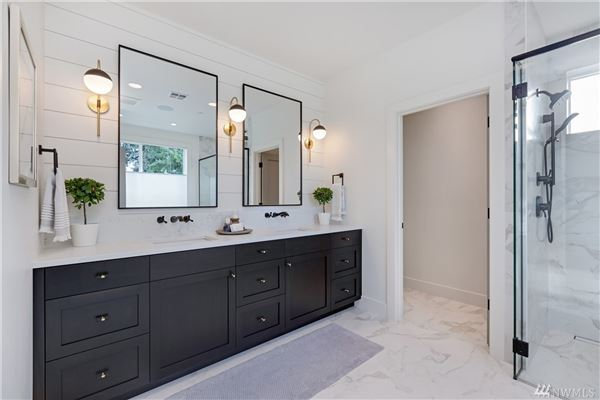 Luxury properties Newly completed modern farmhouse in the heart of Mercer Island