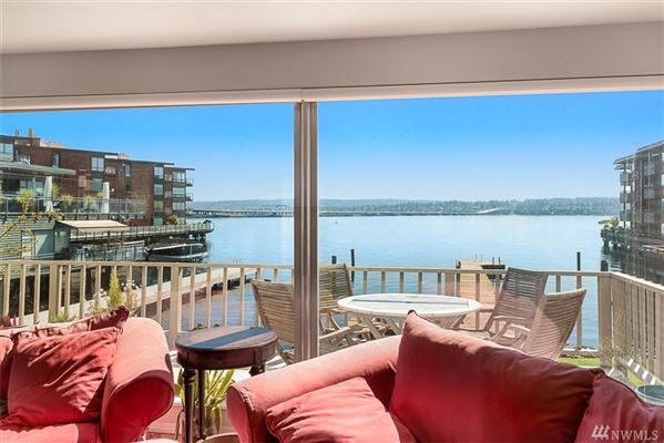 Luxury real estate Lakeside living in Madison Park
