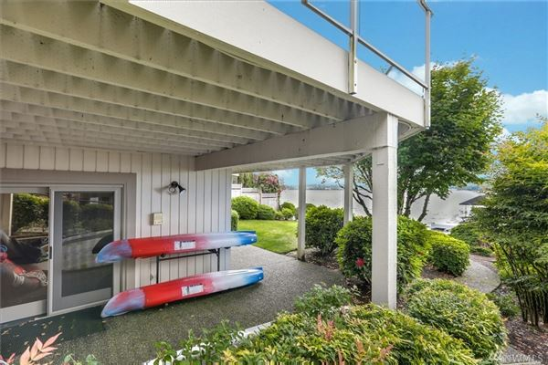 Luxury homes in waterfront Near the end of quiet Champagne Point