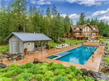 inspiring four bedroom log home luxury homes