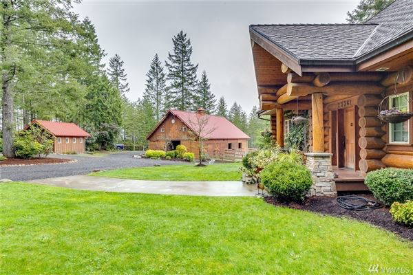 Mansions inspiring four bedroom log home