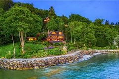 Mansions in Incomparable Waterfront Estate