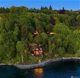 Luxury properties Incomparable Waterfront Estate