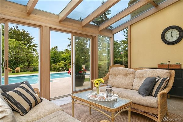 Luxury properties bright clyde hill oasis