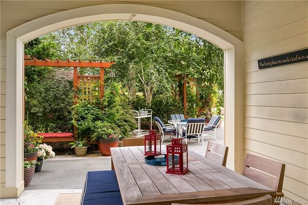 bright clyde hill oasis luxury real estate