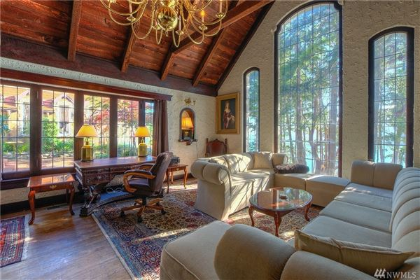 Luxury properties SECLUDED WATERFRONT STONE MANSION