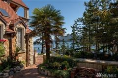 Luxury homes in SECLUDED WATERFRONT STONE MANSION